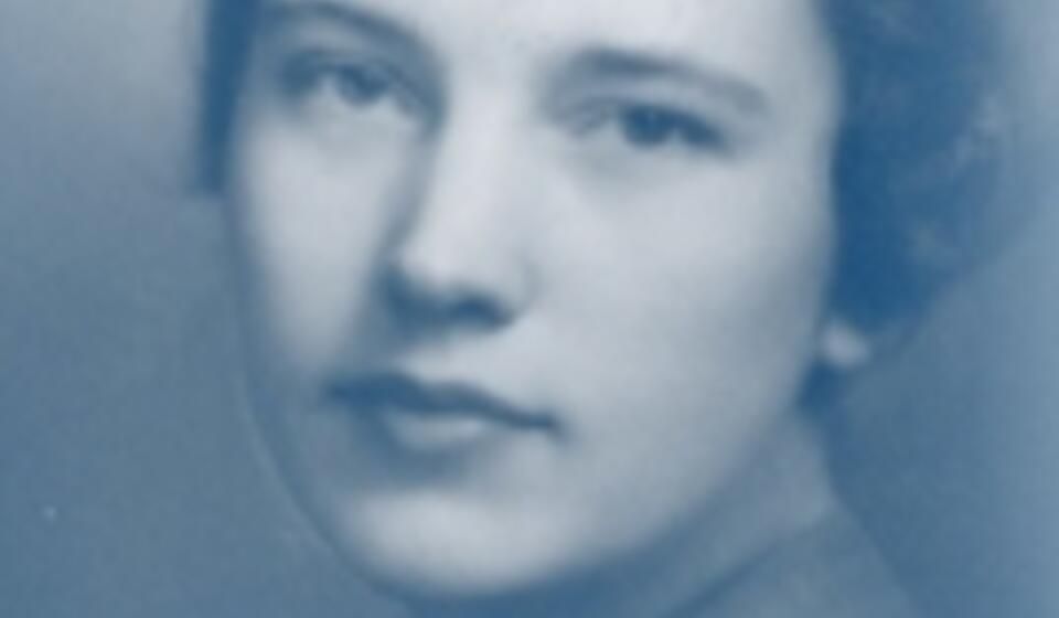 headshot of Beatrice Bain